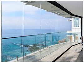 frameless glass wall