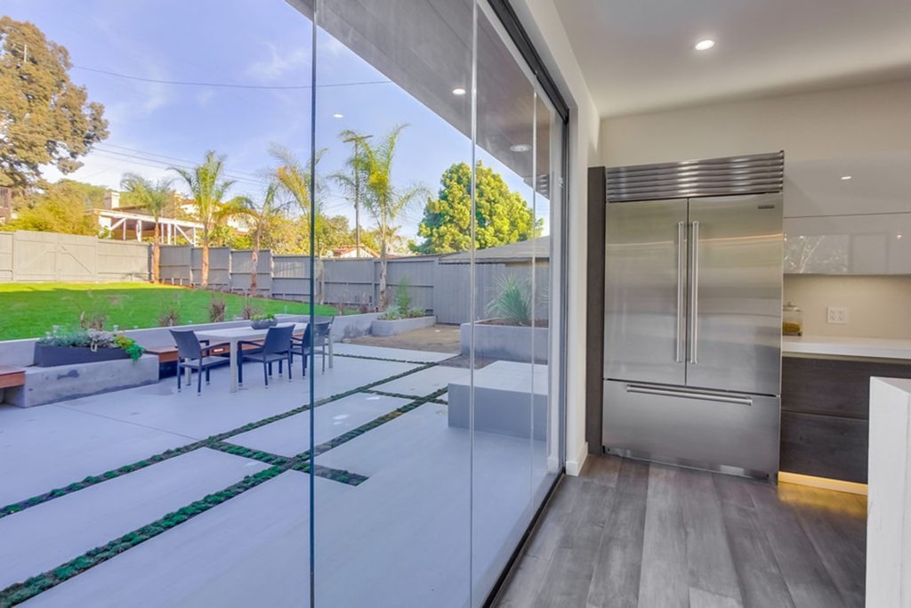 glass wall panels for kitchen